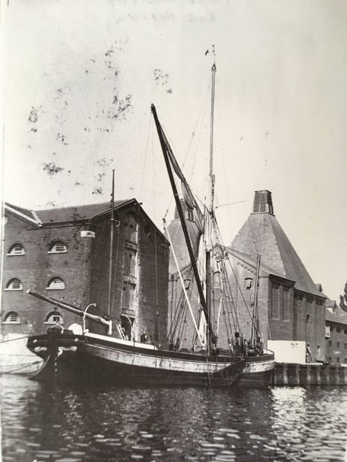 Thalatta at Mistley, 1906
